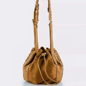 Pour La Victorie Shoulder Bag